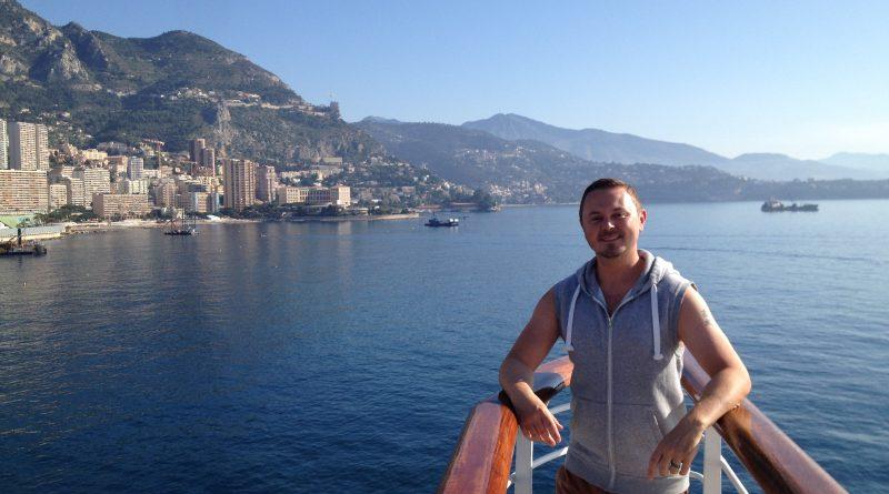 Travel Blogger Jamie Robins