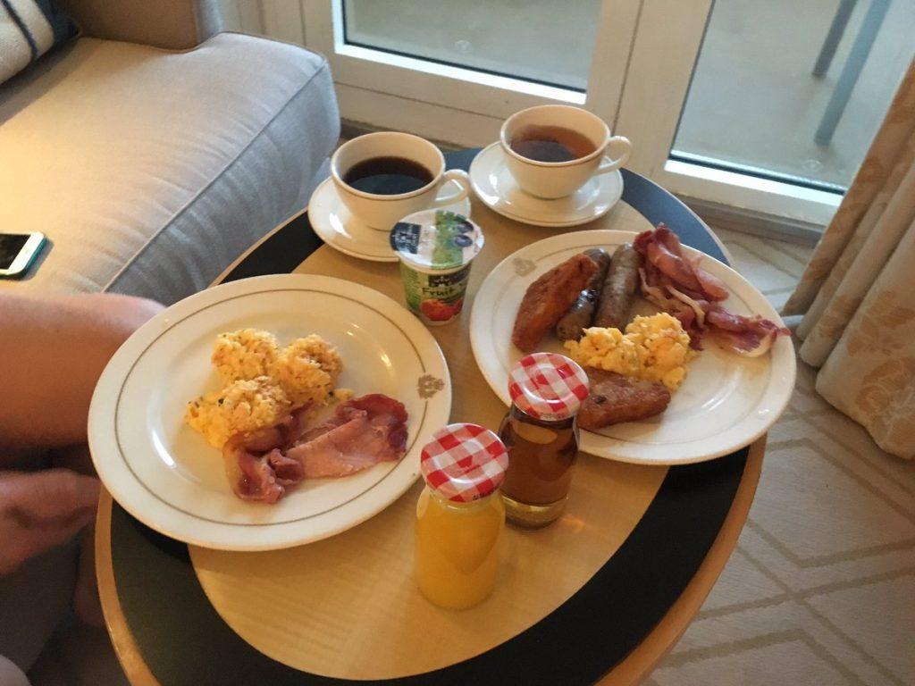Cunard Queen Mary 2 Breakfast