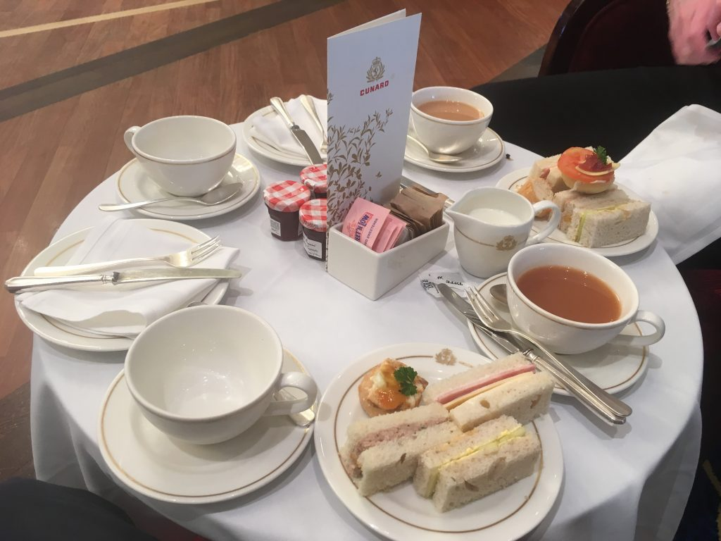 Queen Mary 2 - Afternoon Tea
